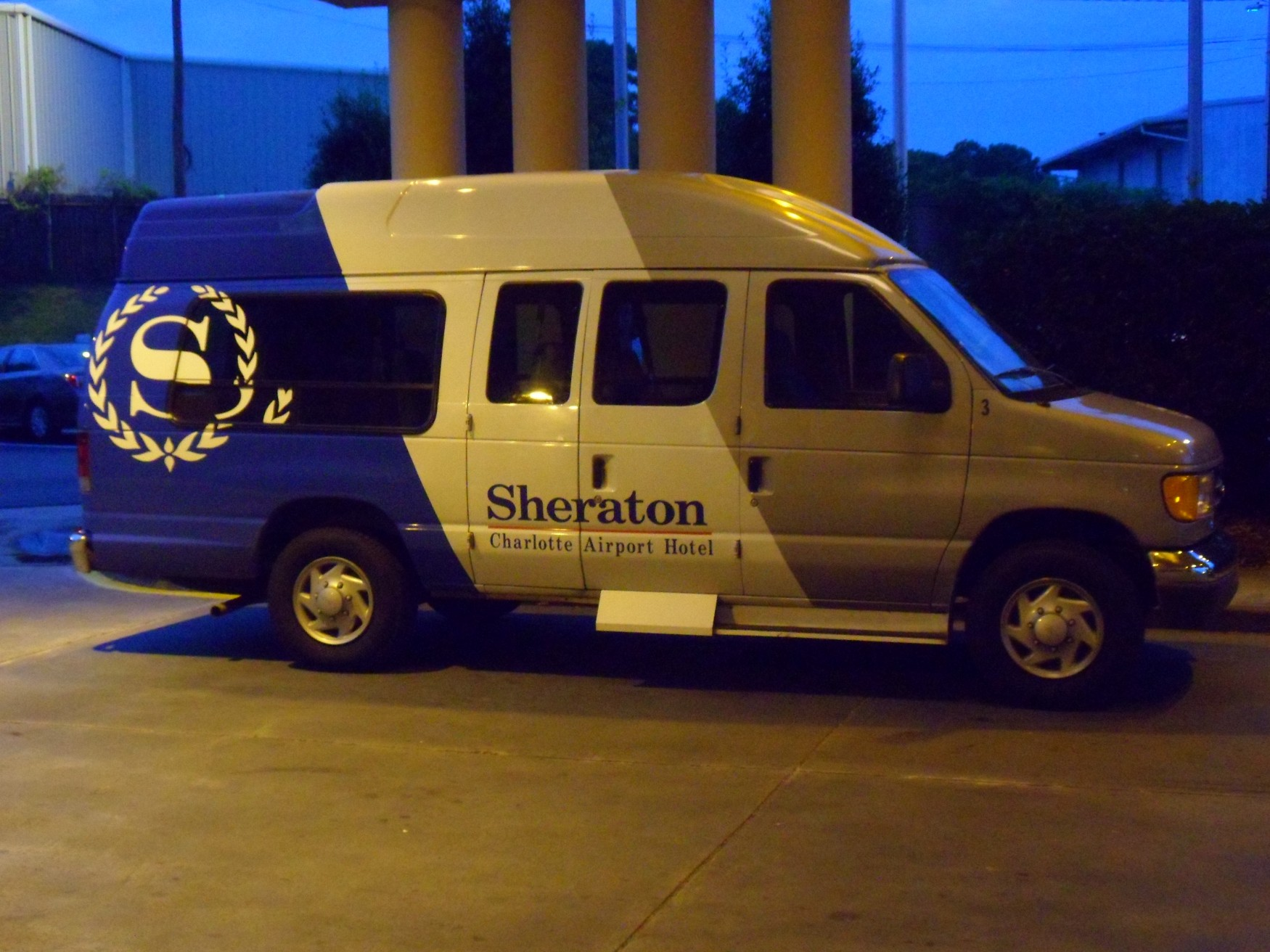 Complimentary Airport Shuttle at the Sheraton Charlotte Airport